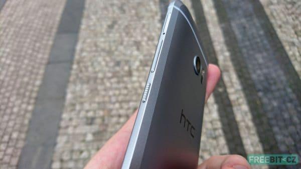 Zkosené hrany nového HTC 10