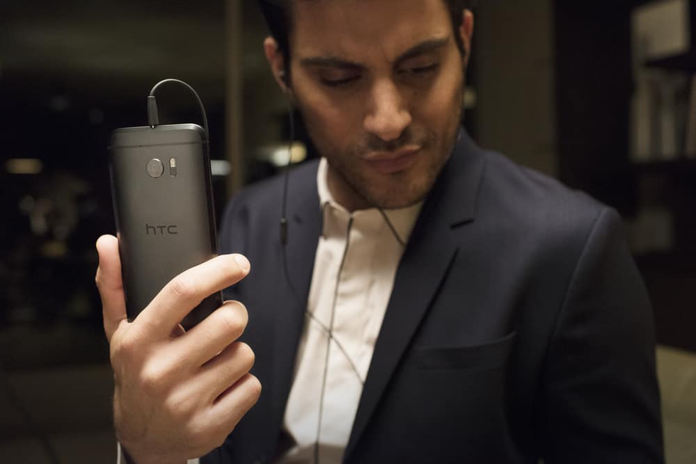 Perfume - HTC 10 - Lifestyle Images