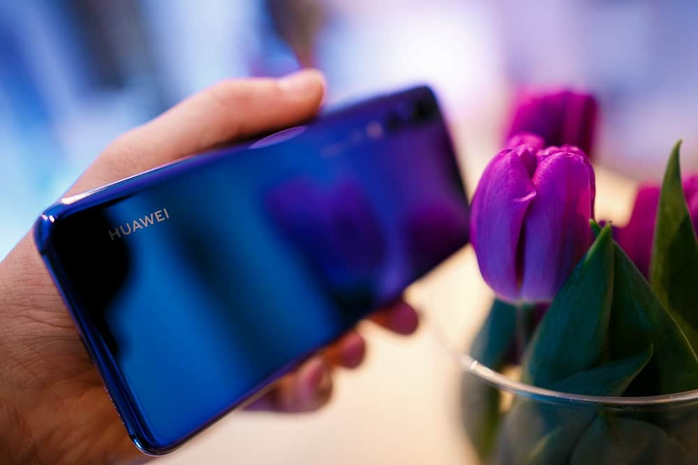 Počet prodaných smartphonů z řady P20 je magický, dodává Huawei