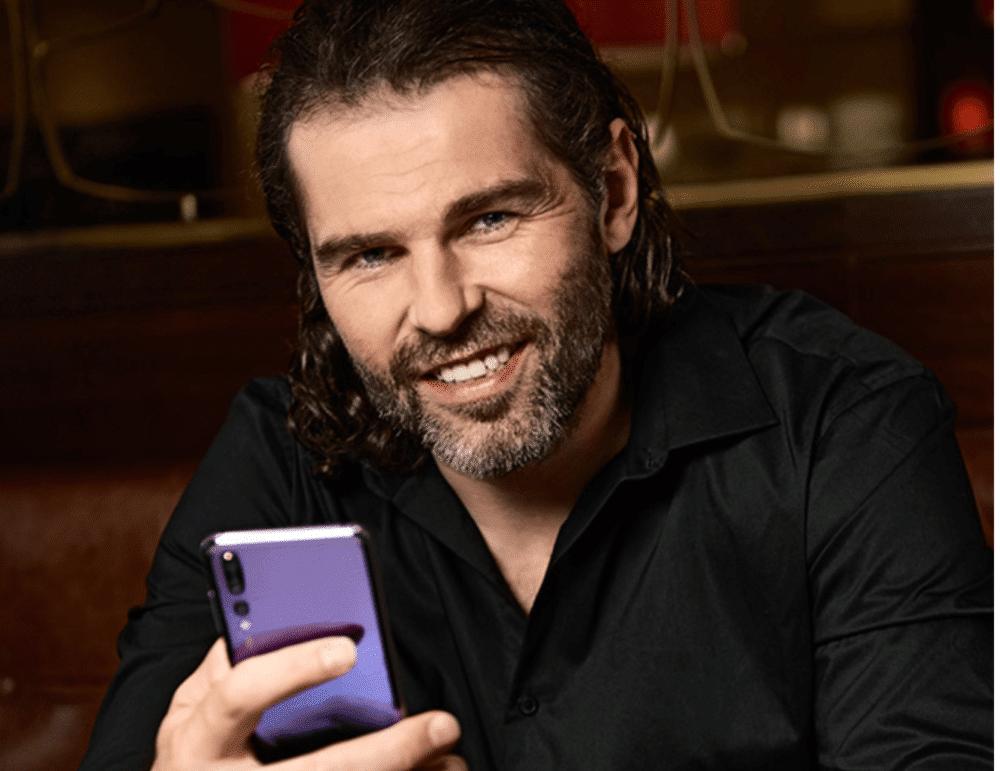Pro generaci Znení smartphone jen prostředkem ke komunikaci
