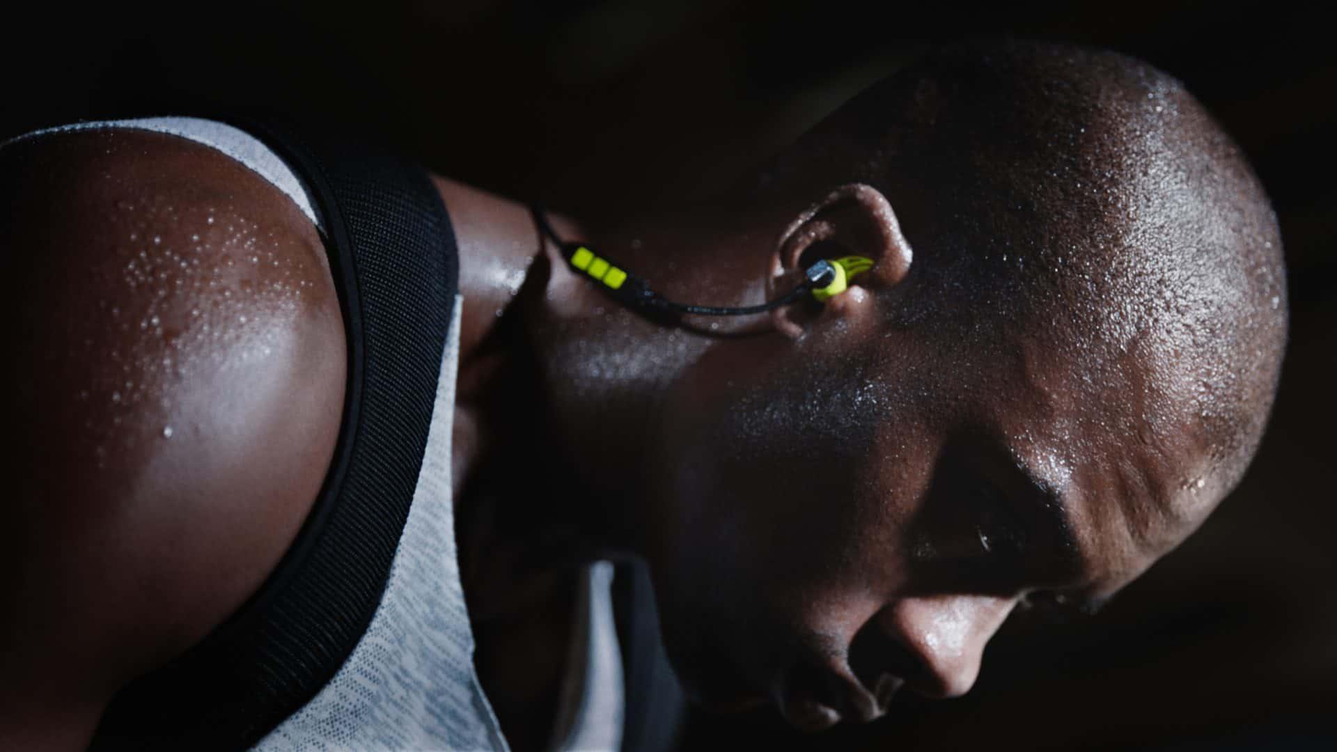 Sennheiser zahájil prodej očekávaných sluchátek CX Sport