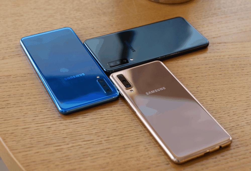 Elegantní smartphone Samsung Galaxy A7 je ode dneška vprodeji