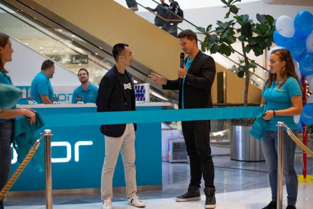 Společnost Honor otevřela vpražském OC Chodov svůj prodejní stánek