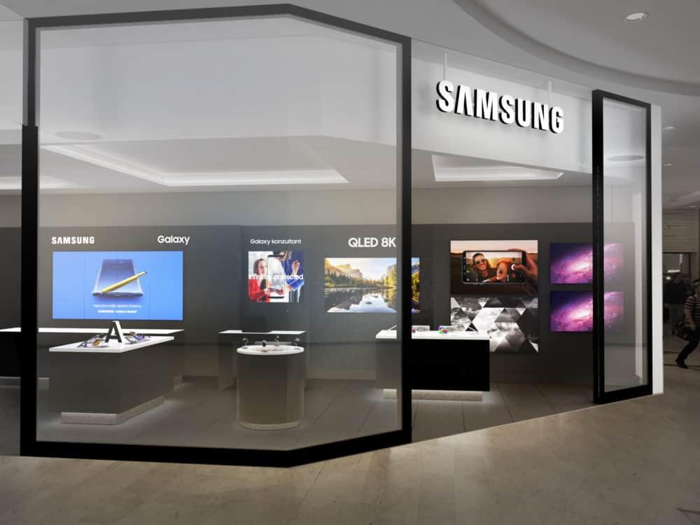 Samsung otevírá prodejnu na Smíchově. Nabízí slevy na mobily a televize