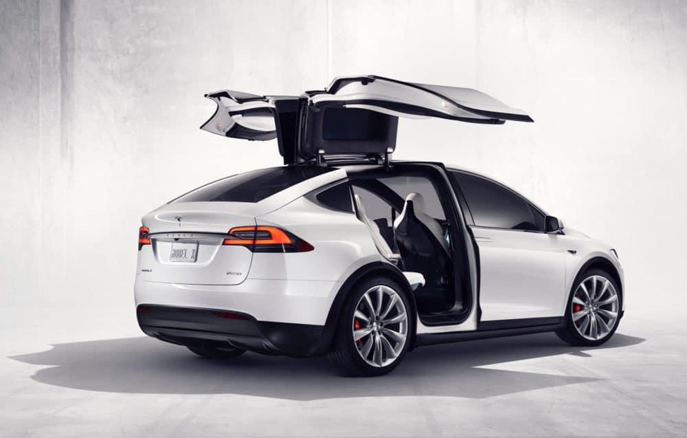 Tesla do deseti měsíců zkrachuje. Elon Musk kontroluje náklady
