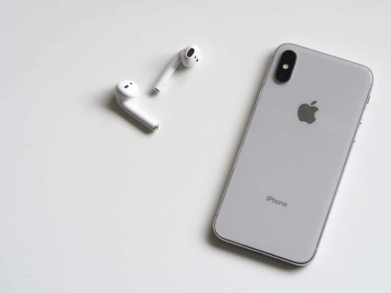 Jablečný smartphone Apple iPhone X