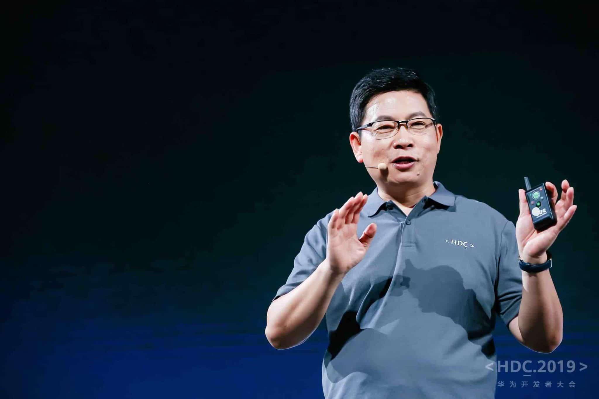 Operační systém HarmonyOS představil Huawei na konferenci v Dongguanu
