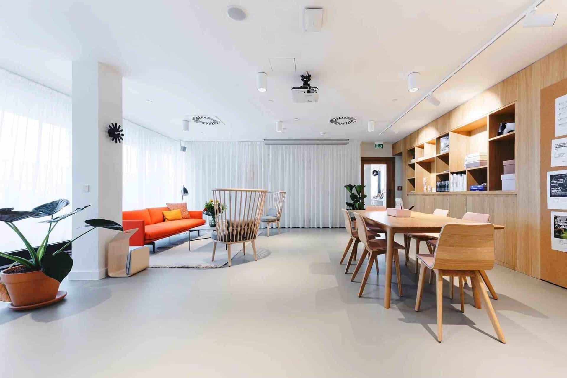 Spaces otvírá další coworkingový prostor – v pražském Karlíně